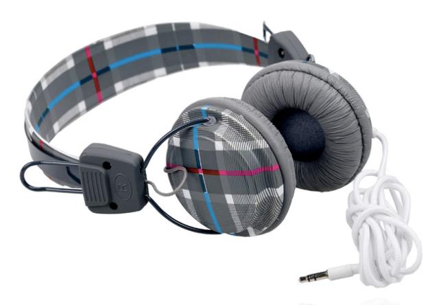auriculares pull & bear