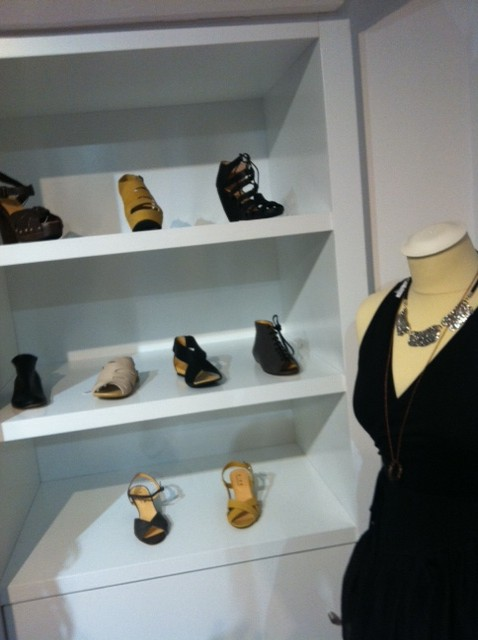 Muestra de zapatos disponibles en GÜK